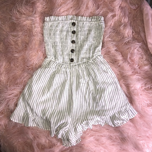 315f7a33ebdd American Eagle Outfitters Other - AE smocked Tube Top romper
